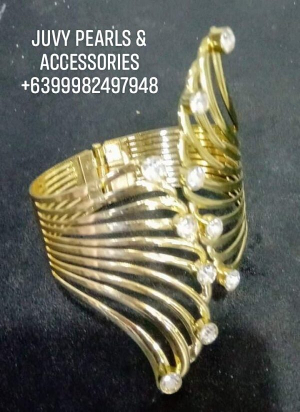 Golden bracelet to match your formal wear